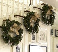 19 STUNNING CHRISTMAS STAIRCASE DECORATIONS ...