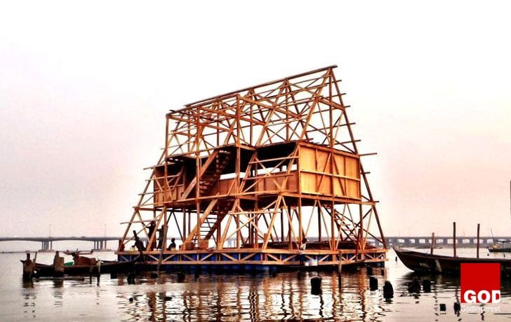 """Innovative: NLE's """"floating school"""" in Lagos to cope with rising water levels"""