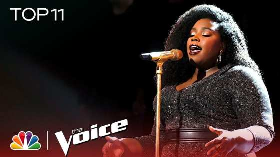 """Team Kelly's Kymberli Joye performs """"Break Every Chain"""" during The Voice Live Top 11 Performances."""