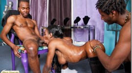 TS Kamora can Handle to Hung Black Cock in her….