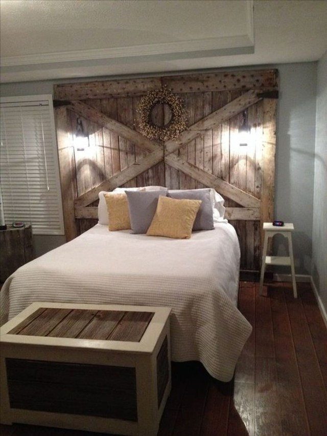 16 Outstanding DIY Reclaimed Wood Headboards for Rustic ...