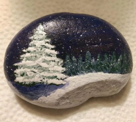 Beautiful christmas rock painting ideas (39)
