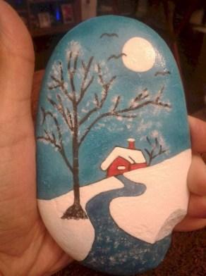 Beautiful christmas rock painting ideas (8)