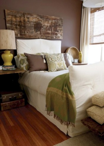 Cozy, rich and earthy bedroom tone (11)