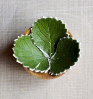 Creative diy dishes made from clay leaves 32