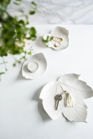 Creative diy dishes made from clay leaves 36