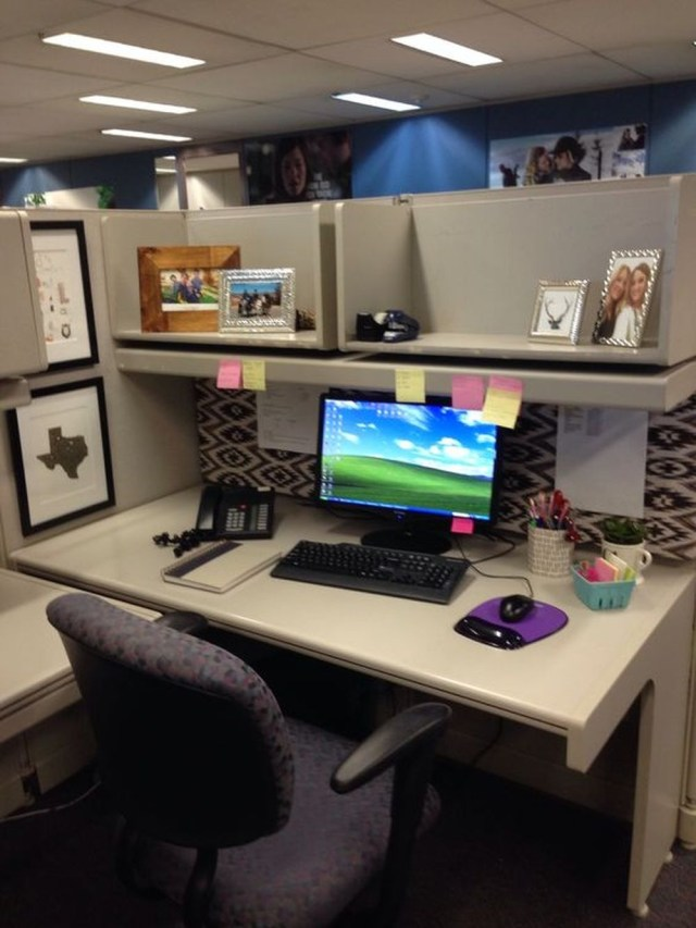 Cubicle Décor Ideas To Make Your Home Office Pop: 15 DIY Decorating Cubicle Working Space Ideas