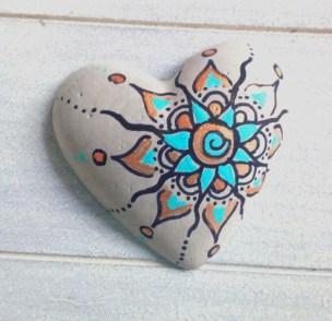 Diy cristmas painted rock design 08