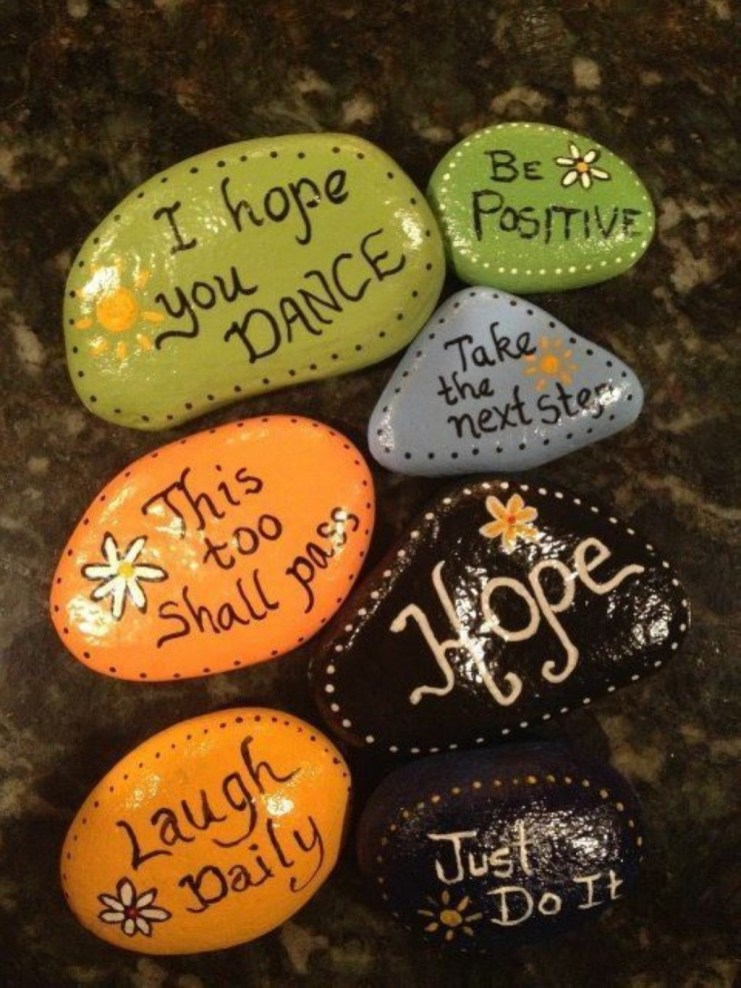 Diy cristmas painted rock design 17