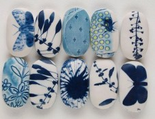 Diy cristmas painted rock design 52