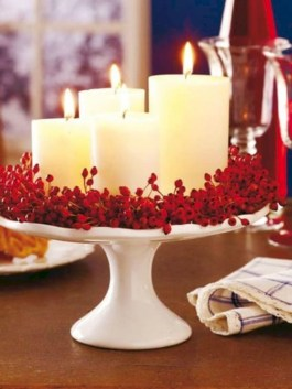Ideas to decorate your space with candles for christmas 24