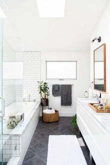 Small bathroom with bathtub ideas 10