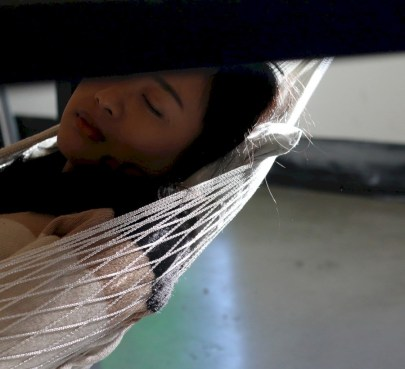 Unique hammock to take a nap (28)