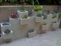 Ways to decorate your garden using cinder blocks 04