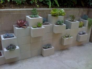 Ways to decorate your garden using cinder blocks 04
