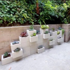 Ways to decorate your garden using cinder blocks 07