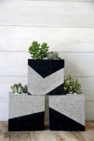 Ways to decorate your garden using cinder blocks 11