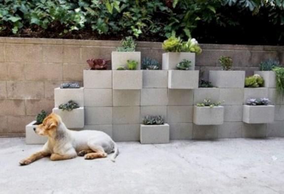 Ways to decorate your garden using cinder blocks 13