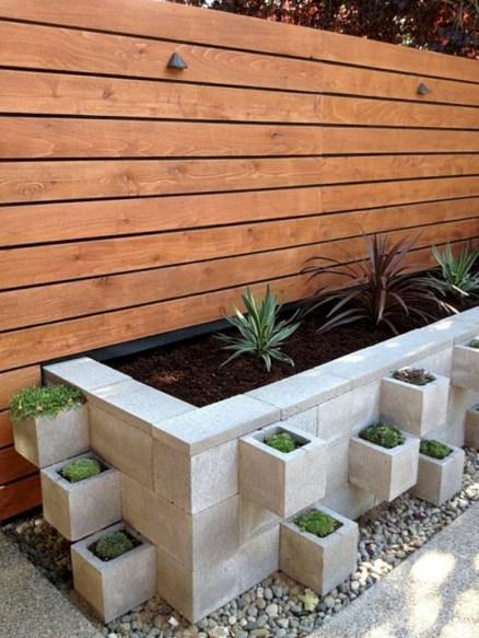 Ways to decorate your garden using cinder blocks 15