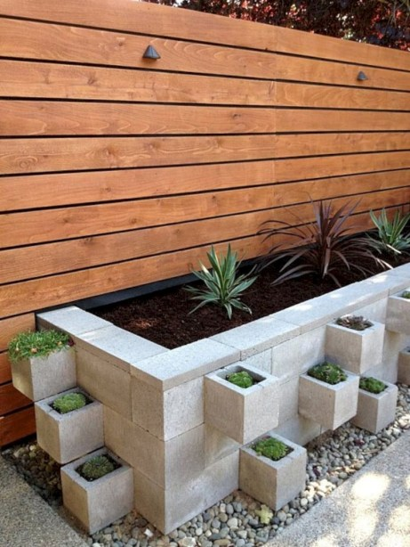 Ways to decorate your garden using cinder blocks 15