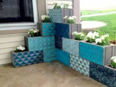 Ways to decorate your garden using cinder blocks 20