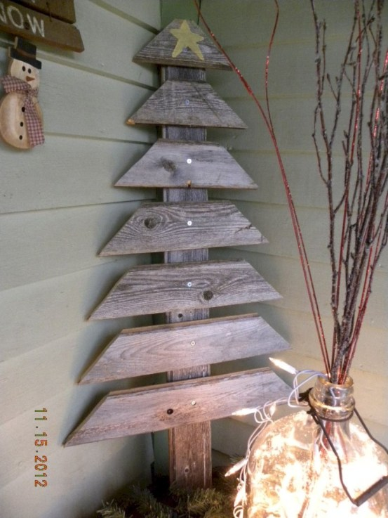 Ways to make your own christmas tree from pallet wood 32