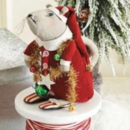 Adorable indoor animated christmas figures 15