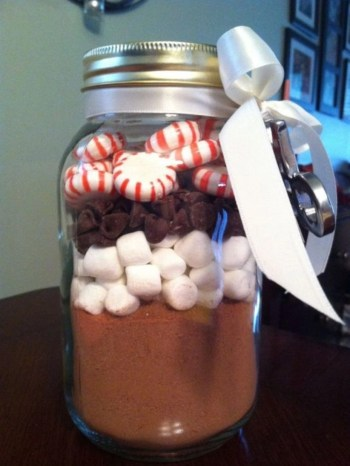 Christmas coca diy gift cups of hot chocolate mix in the bottom .