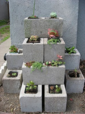 Creative ways to grow strawberry at your garden 30