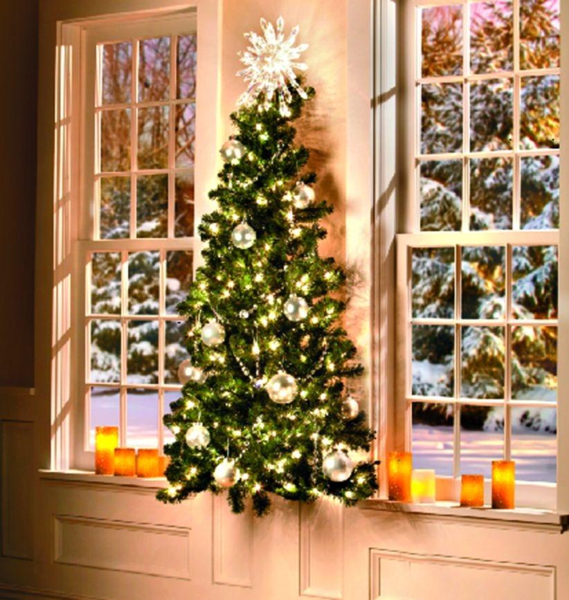 39 DIY Wall Christmas Tree to Save your Space - GODIYGO.COM