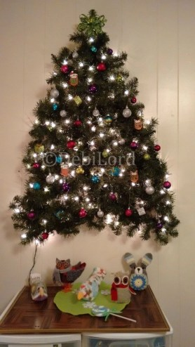 Diy wall christmas tree to save your space 26
