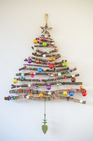 Diy wall christmas tree to save your space 39