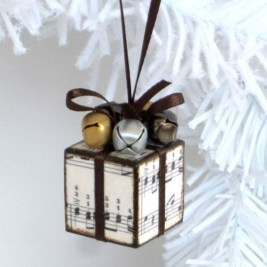 Easy but beautiful diy christmas ornaments 23