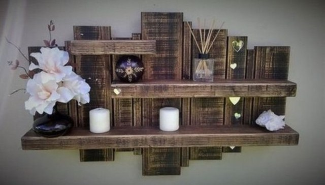 Easy to create wooden pallet shelves