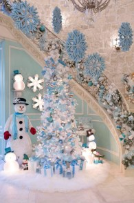Elegant decorating ideas for white christmas 05