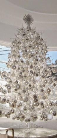Elegant decorating ideas for white christmas 36