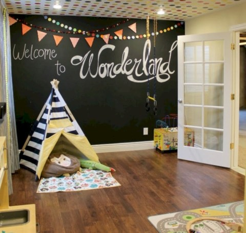Fun and easy way to decorate your playroom (8)