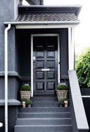Ideas to decorate your entryway to replace porch 05