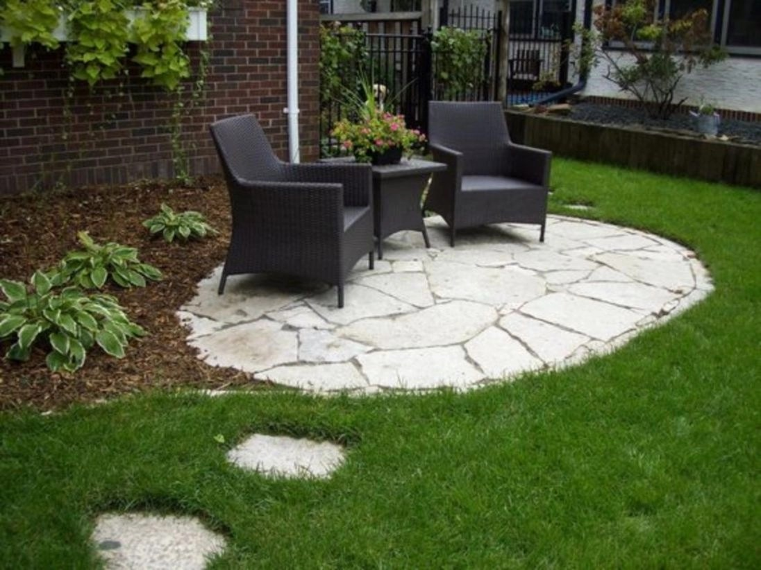 Inexpensive backyard and landscaping ideas with bench or seats