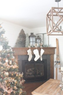 Ways to decorate fireplace for christmas 25