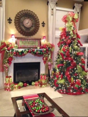 Ways to decorate fireplace for christmas 38