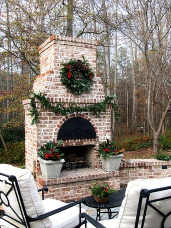 Ways to decorate fireplace for christmas 41