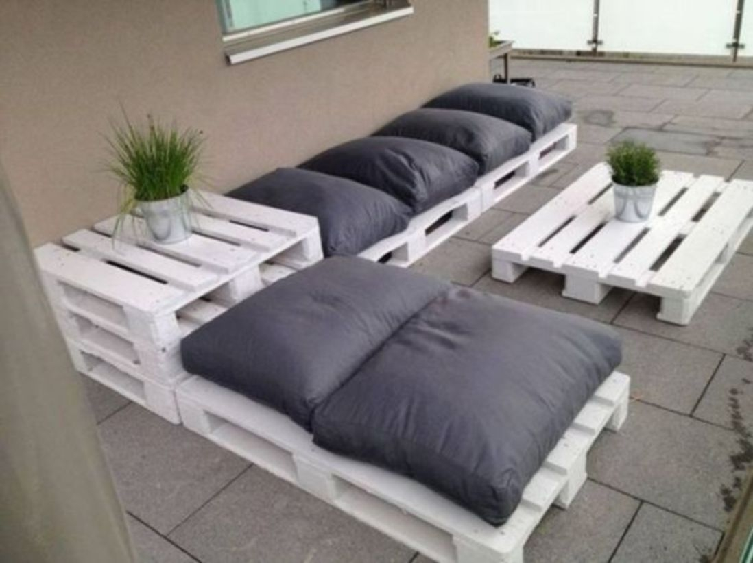 Wood pallet ideas for patio backyard