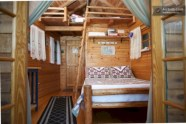 Creative log cabin themed bedroom for kids 11