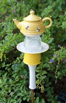 Cute yard ornament for your own outdoor space 01