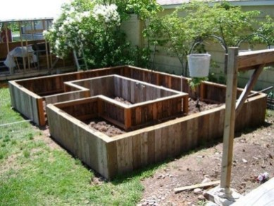 Easy to make diy raised garden beds ideas 12