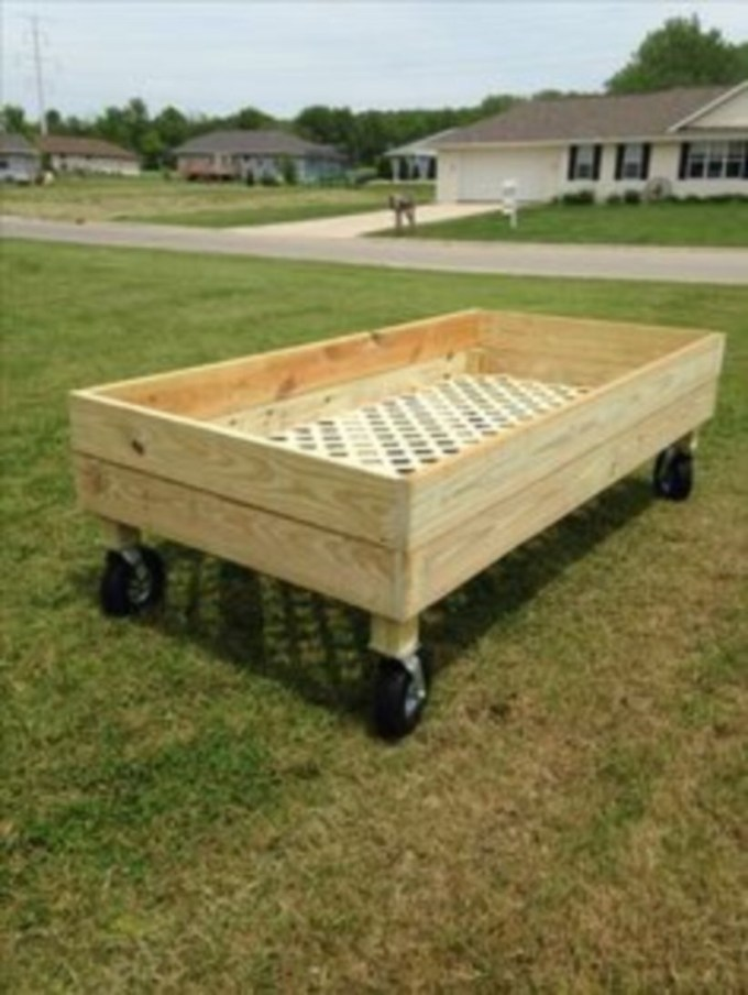 Easy to make diy raised garden beds ideas 22