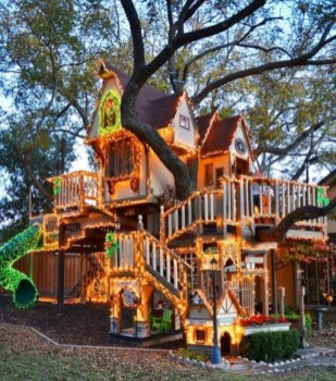 Fabulous backyard playhouse to delight your kids 07