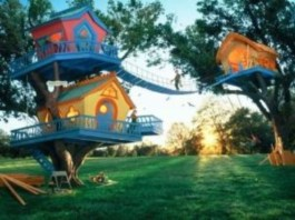 Fabulous backyard playhouse to delight your kids 19