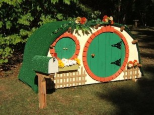 Fabulous backyard playhouse to delight your kids 23